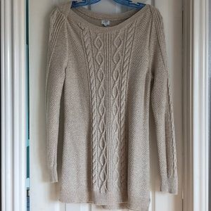 Crown and Ivy Medium sweater